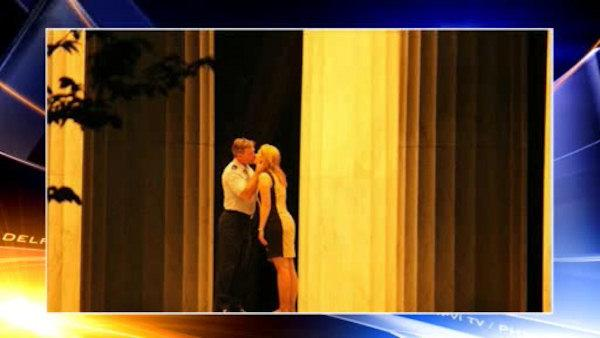 Mystery couple proposes in Washington