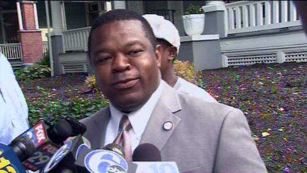 FBI raids the home of Trenton mayor