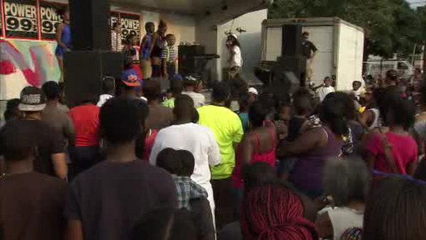 Camden residents come together for peace jam