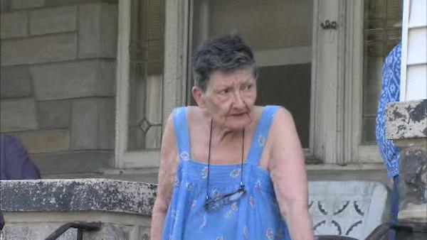 Utility imposters rob elderly woman