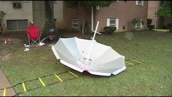 Family of 4 hurt in Delaware lightning strike