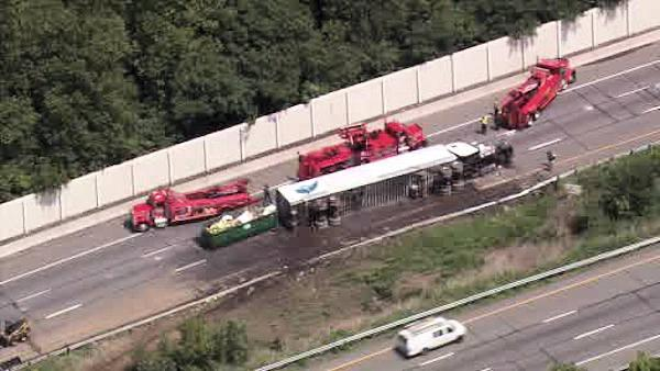 Officials close I-95 SB in Bensalem to clear crash