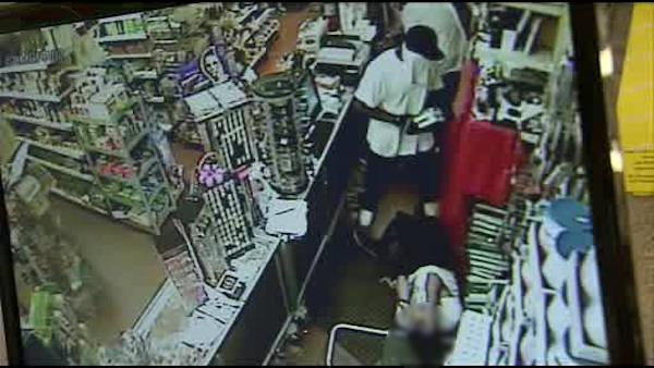 Police: Clerk assaulted in Frankford robbery