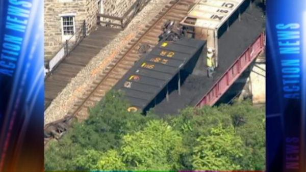 Friends killed in Maryland train derailment