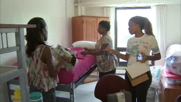 It's move-in day for Temple freshman