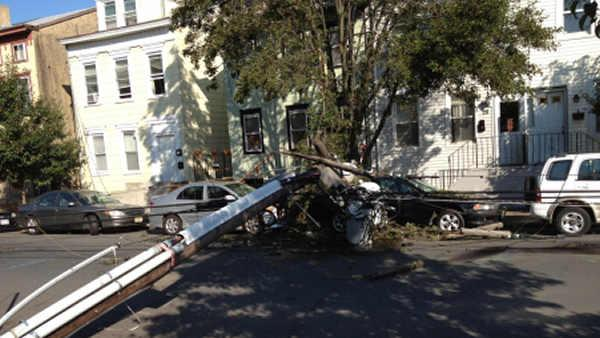 City worker struck by falling pole in Trenton
