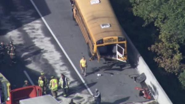 2 school buses, tractor-trailer, car collide on I-95 in Del.