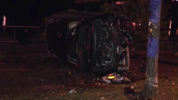 Driver injured in car crash on Kelly Drive