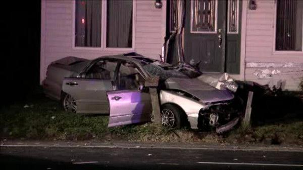 2 injured when car slams into house in NJ