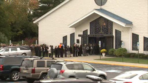 Hundreds say goodbye to slain NJ girl