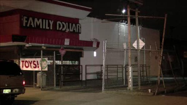Employee robbed in Philly Dollar store