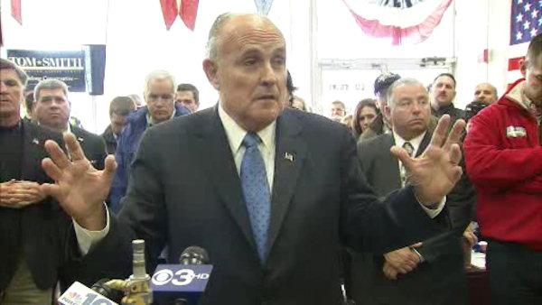 Giuliani, Voight stump for Romney in Pa.