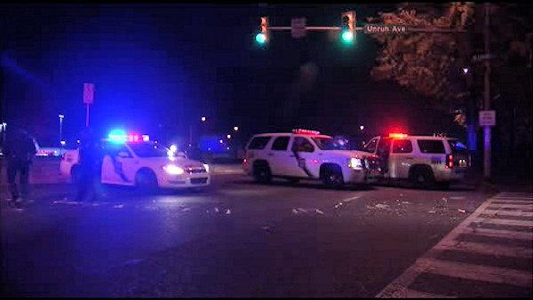 Gunman opens fire on car on Roosevelt Blvd.