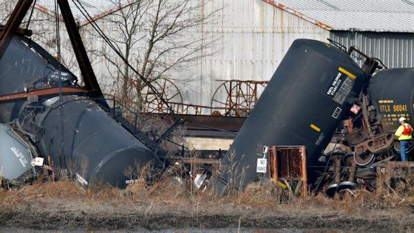 4pm update on Paulsboro, NJ train derailment - 6at4