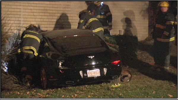 Bentley crashes into Center City building