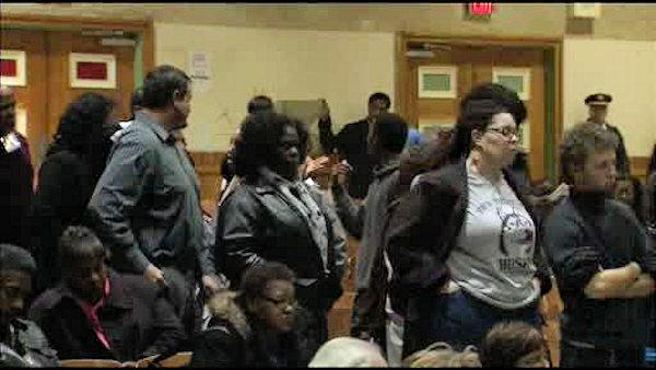 District holds meeting on Phila. school closings