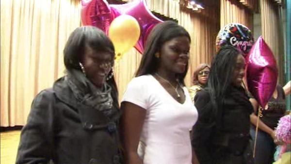 3 Philadelphia teens win free trip to prom