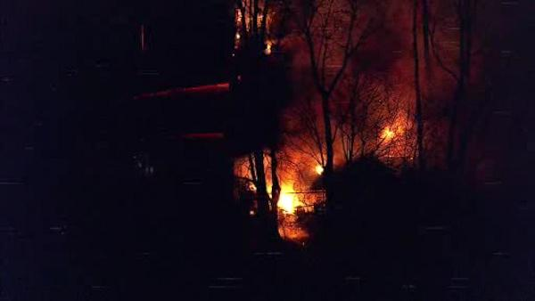 Crews battle barn fire in Bucks County