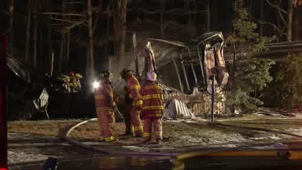 2 injured in NJ mobile home fire