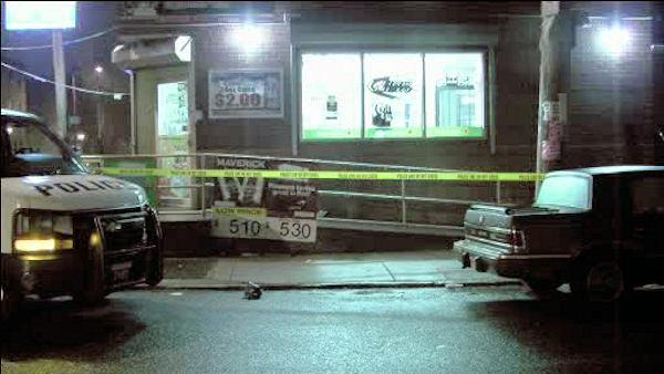Man shot outside store in Port Richmond