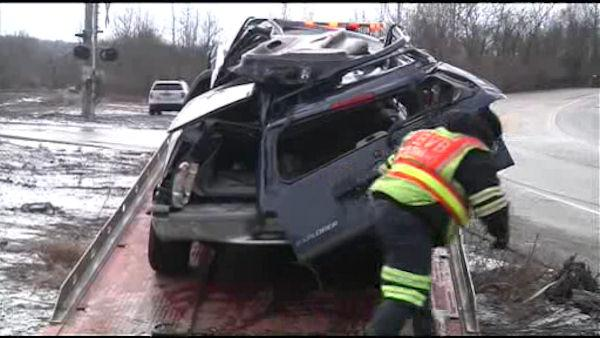 SUV falls from Turnpike in Montco