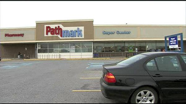 Woman, 89, punched, robbed outside Del. supermarket