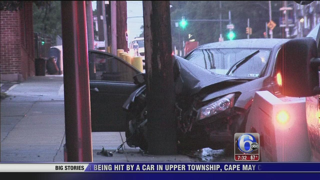 Car hits pole in Tioga-Nicetown; 4 injured