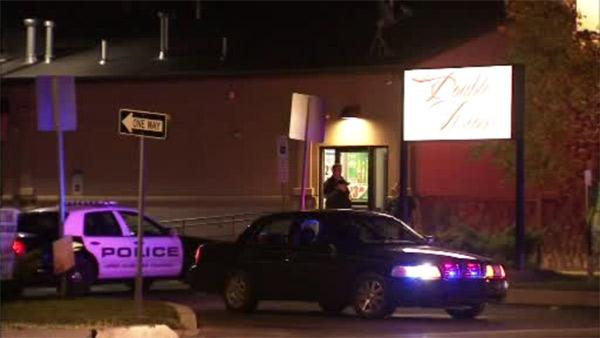 2 managers hurt in Horsham strip club shooting
