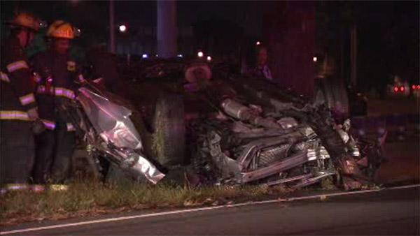 Teen ejected from car in Roosevelt Boulevard crash