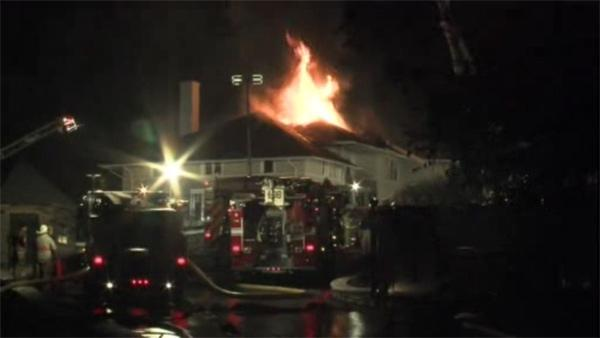 Firefighter injured battling Abington Twp. blaze