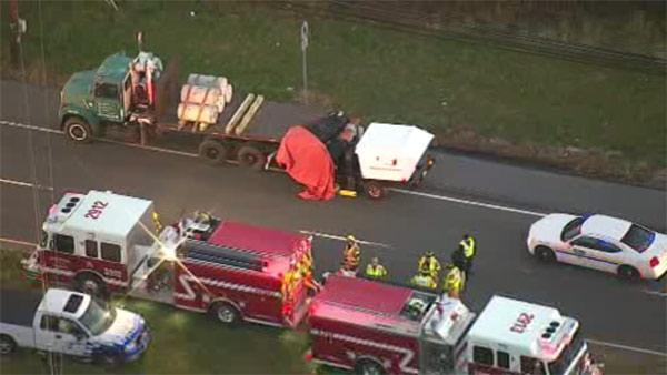 1 dead in crash in Monroe Twp., NJ