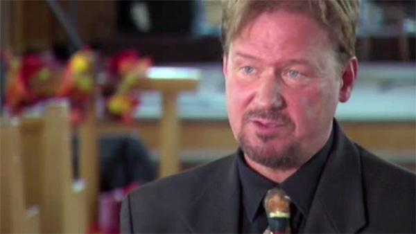 Pa. pastor won't quit over gay wedding
