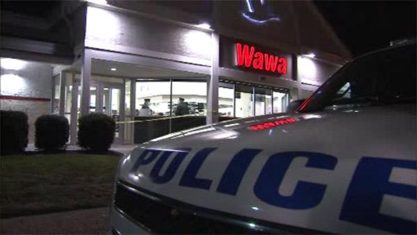 Gunman robs Wawa store in Northeast Philadelphia