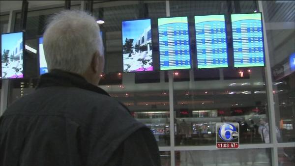 Storm causes Thanksgiving travel woes
