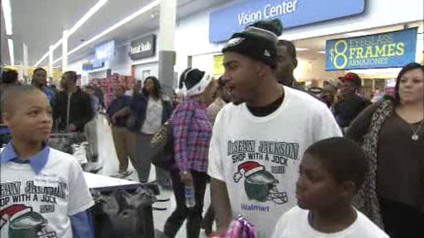 Eagles receiver DeSean Jackson gives to receive