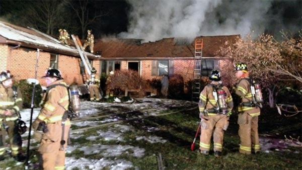 Man dies in fast-moving blaze in Talleyville