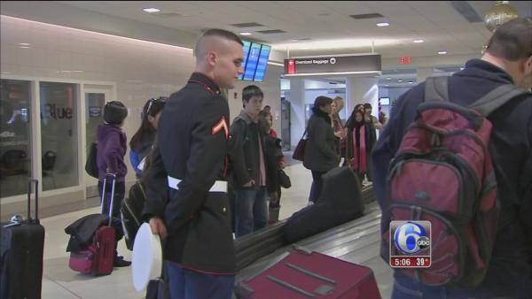 Soldiers return home for the holidays