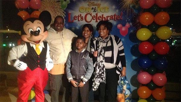 Struggling SW Phila. family treated to 'Disney on Ice'