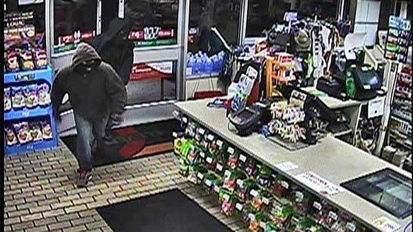 7-Elevens robbed minutes apart in NJ