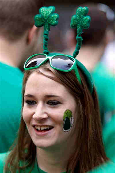 <span class=meta>(Laura Higgins, from Cherry Hill, N.J., wears green at Cavanaugh&#39;s Rittenhouse on St. Patrick&#39;s Day Saturday, March 17, 2012 in Philadelphia. &#40;AP Photo&#47;Alex Brandon&#41;)</span>