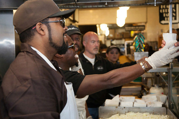 Kevin Hart &amp; Ice Cube handed out free cheesesteaks at Jim&#39;s Steaks in the South Street Headhouse District on Thursday, January 9, 2014. <span class=meta>(Photo&#47;South Street Headhouse District)</span>