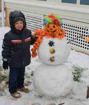 "<div class=""meta ""><span class=""caption-text "">An Action News viewer sent in this photo of Drake Warner and Frosty the Snow-O-Lantern in Ambler, Pa.</span></div>"