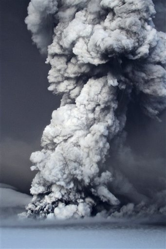 In this photo taken on Saturday, May 21, 2011, smoke plumes from the Grimsvotn volcano, which lies under the Vatnajokull glacier. (AP Photo, Jon Gustafsson)