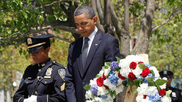Watch Obama lay wreath at Ground Zero