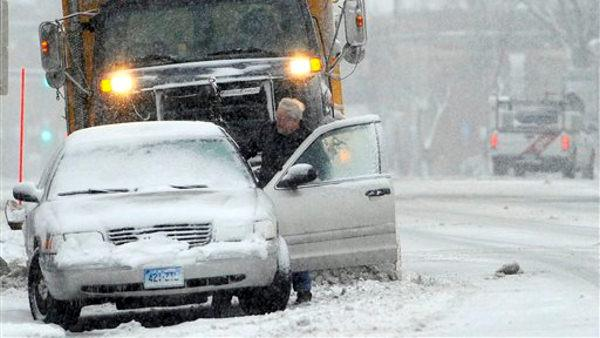 Boston feels brunt of blizzard