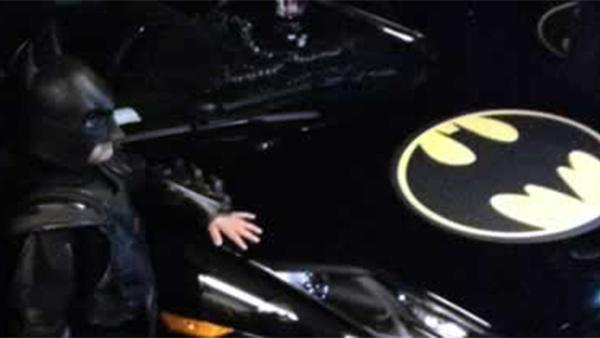 5-year-old becomes 'Batkid' to save San Francisco