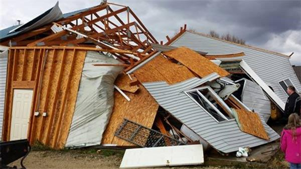 Storms sweep across Midwest, kill 6 in Illinois