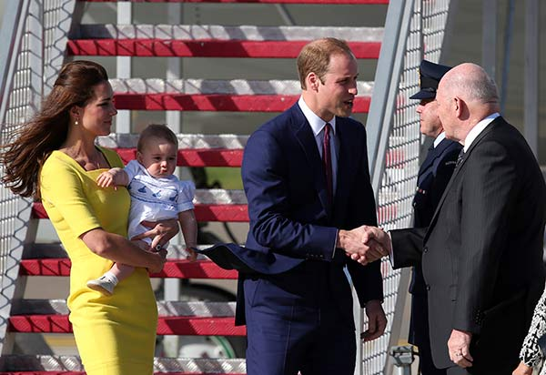 "<div class=""meta image-caption""><div class=""origin-logo origin-image ""><span></span></div><span class=""caption-text"">Britain's Prince William, center, his wife Kate, the Duchess of Cambridge and their son Prince George are greeted by Australian Governor General Peter Cosgrove as they arrive in Sydney, Australia Wednesday, April 16, 2014. The royal family kicked off their tour of Australia. (AP Photo/Rob Griffith)</span></div>"