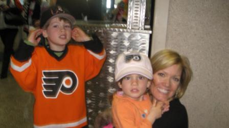 Parenting: First trip to a Flyers game
