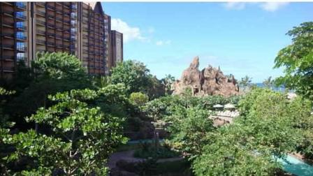 David Murphy sampled Disneys newest resort, the Aulani Hotel in Hawaii.